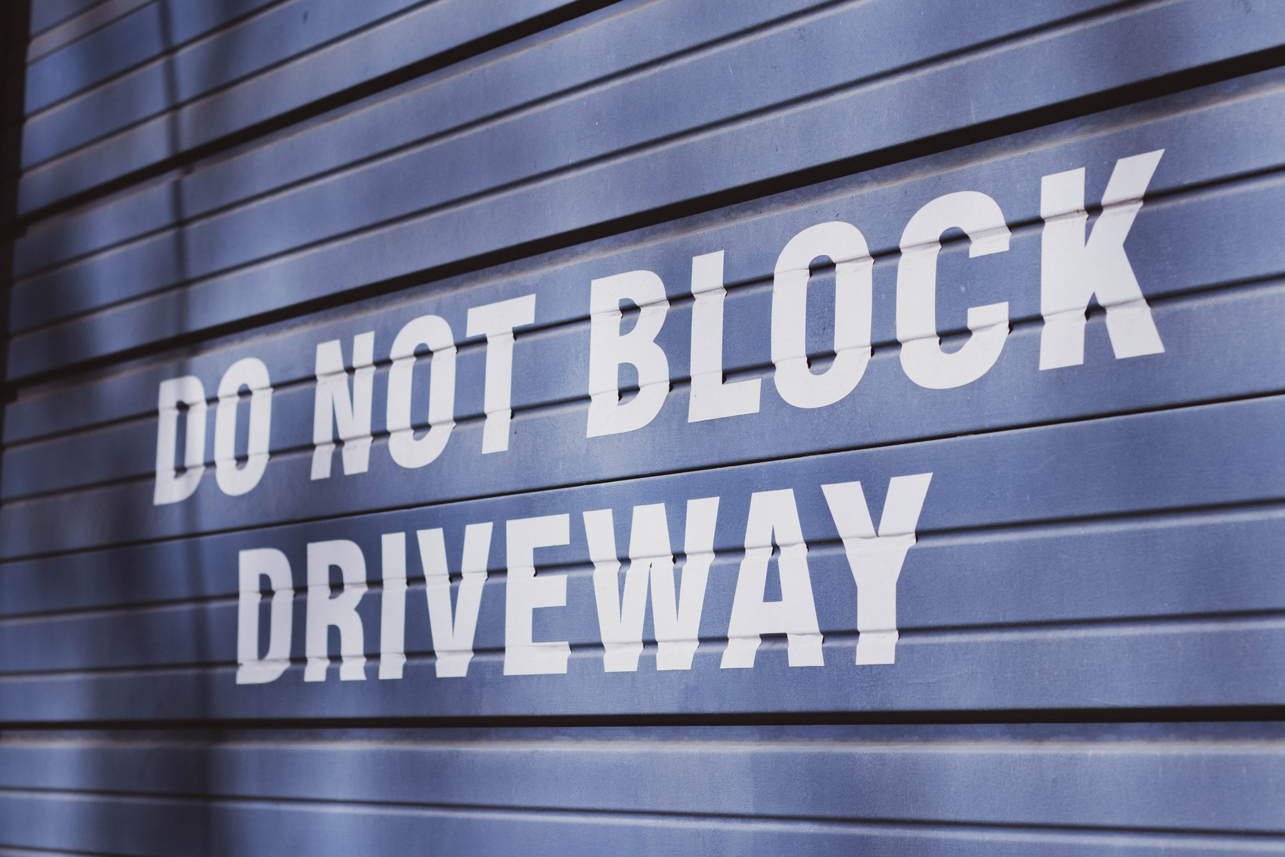 Do not block home driveway sign